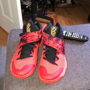 "Kyrie ""Inferno"" Basketball Sneakers men's size 9"